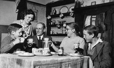 Family-At-Table-1954-001